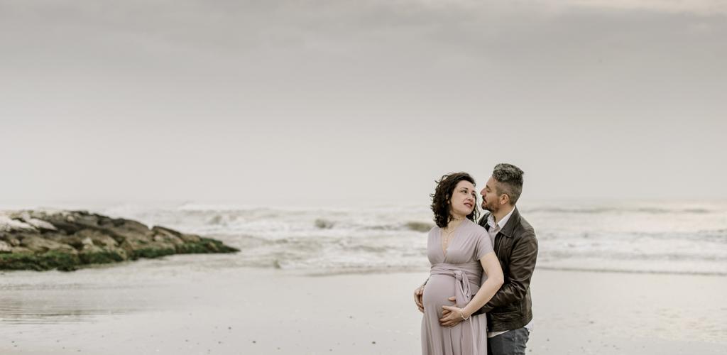 Servizio Maternità in un'alba nuvolosa